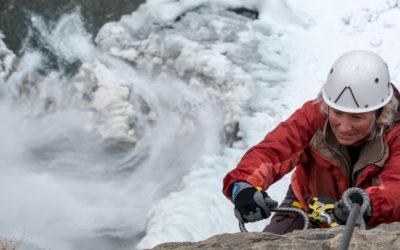 Bizarre Eiswelt am Stuibenfall